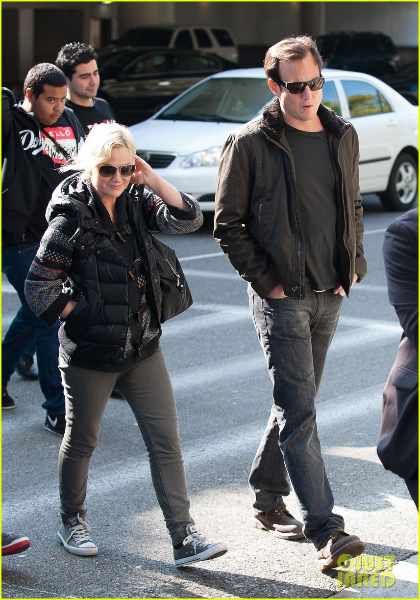 amy poehler will arnett airport 032601103