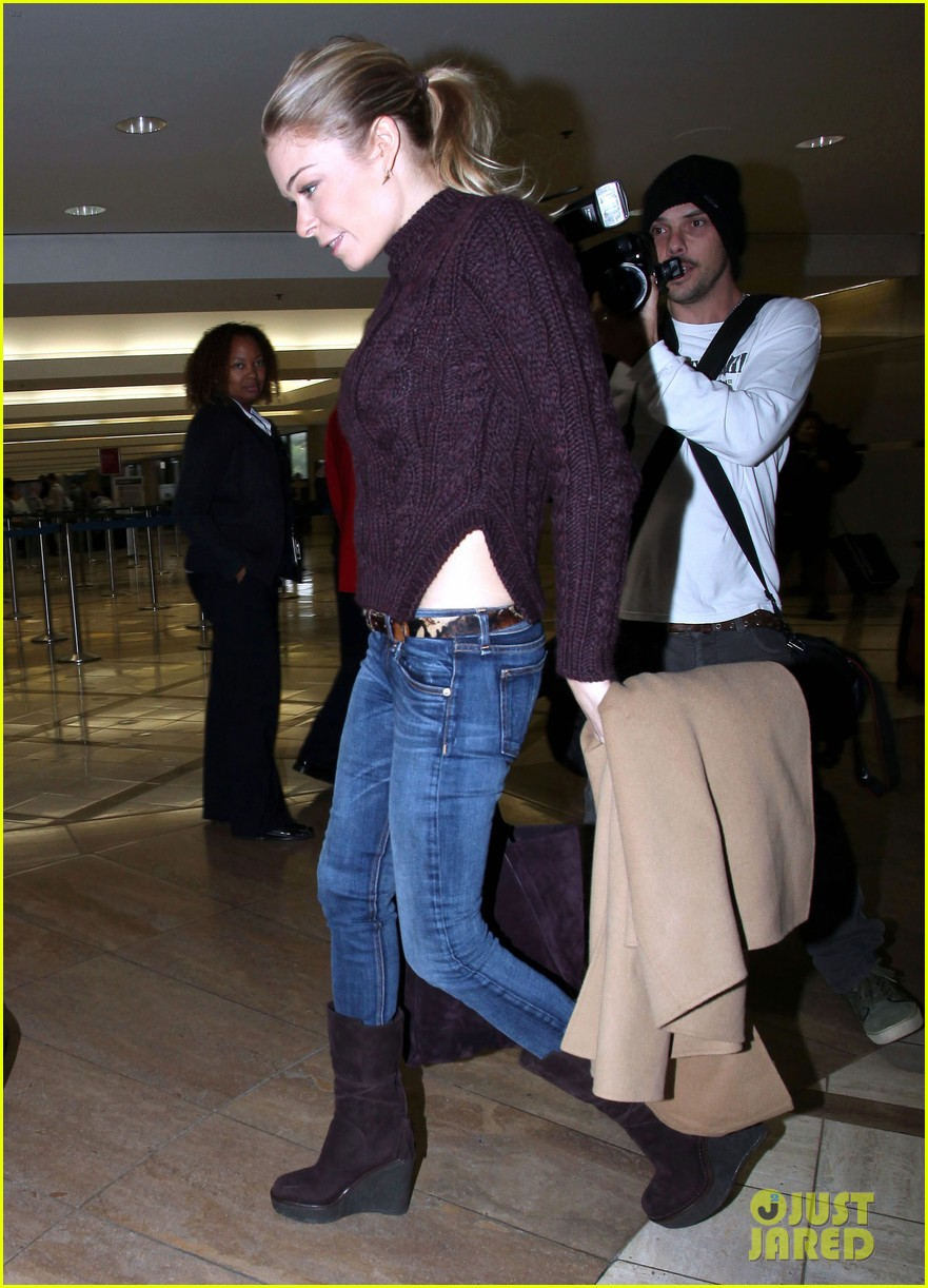 leann rimes ready for thanksgiving 07