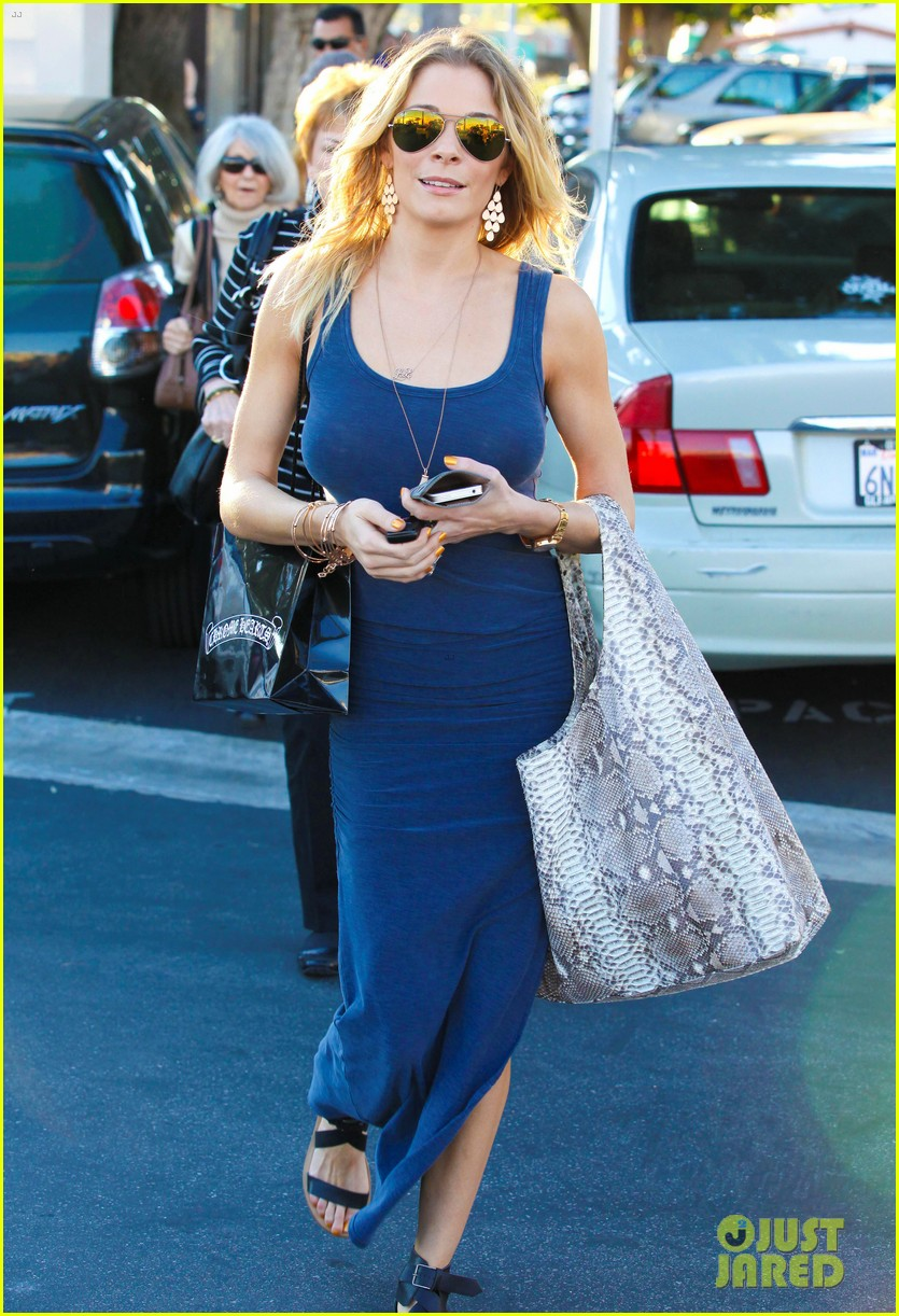 leann rimes thanksgiving weekend with the family 01