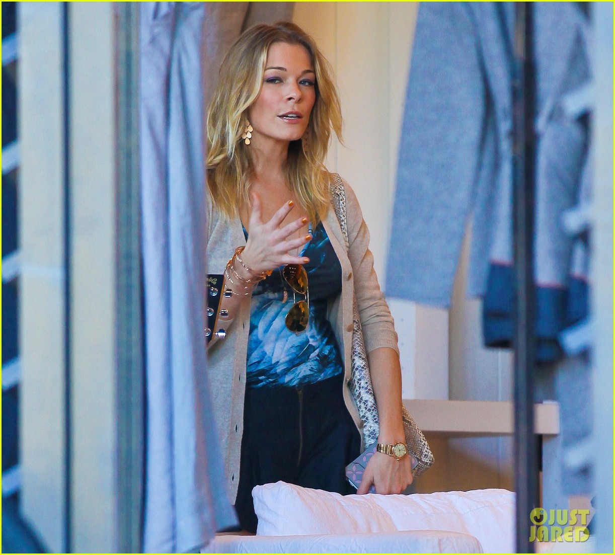 leann rimes thanksgiving weekend with the family 08