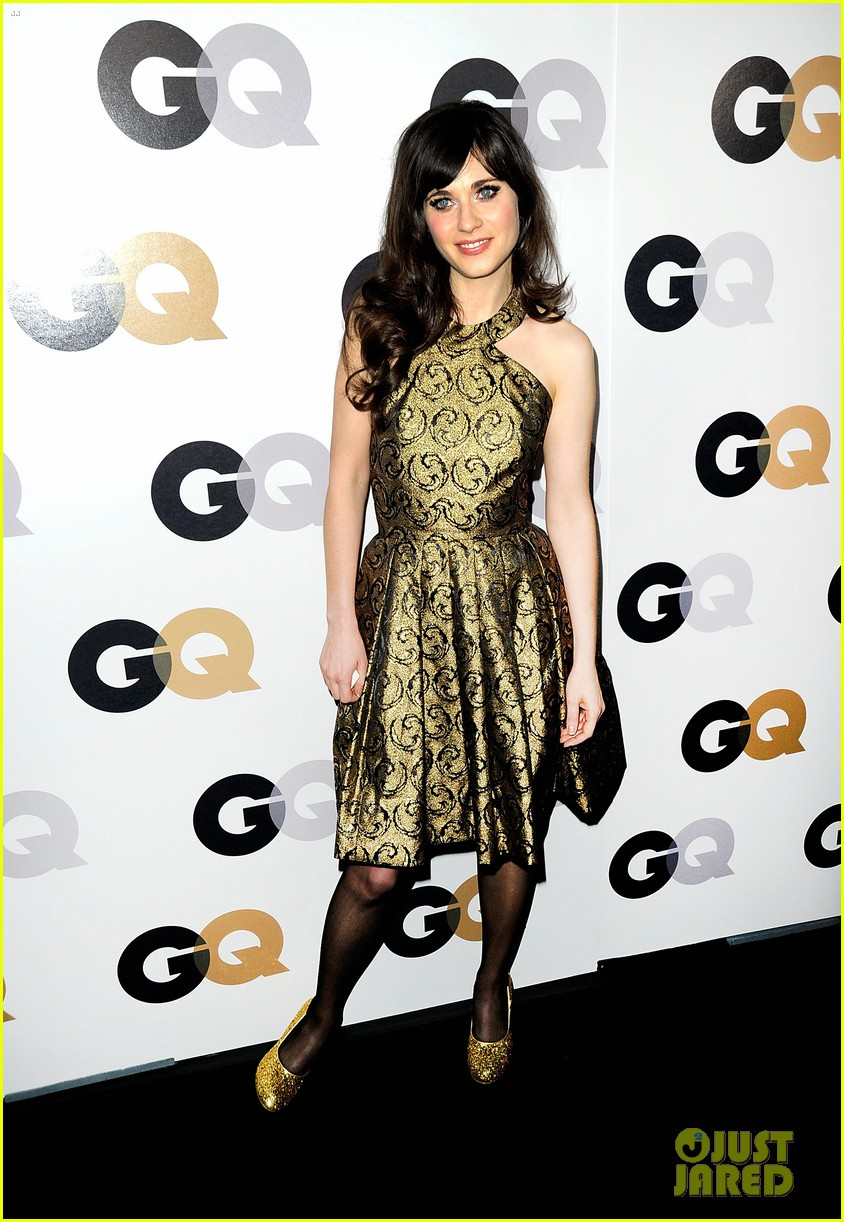 emma roberts minka kelly gq men of the year party cuties 02