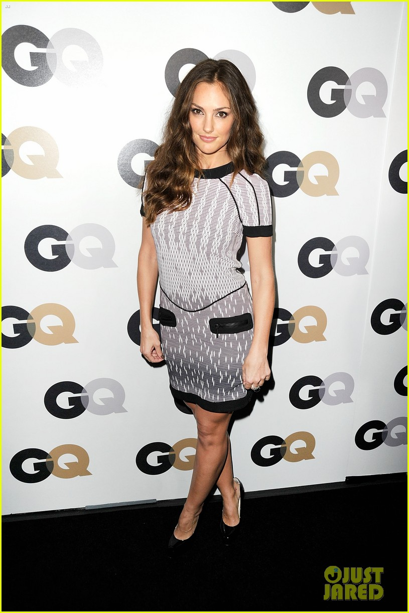 emma roberts minka kelly gq men of the year party cuties 04