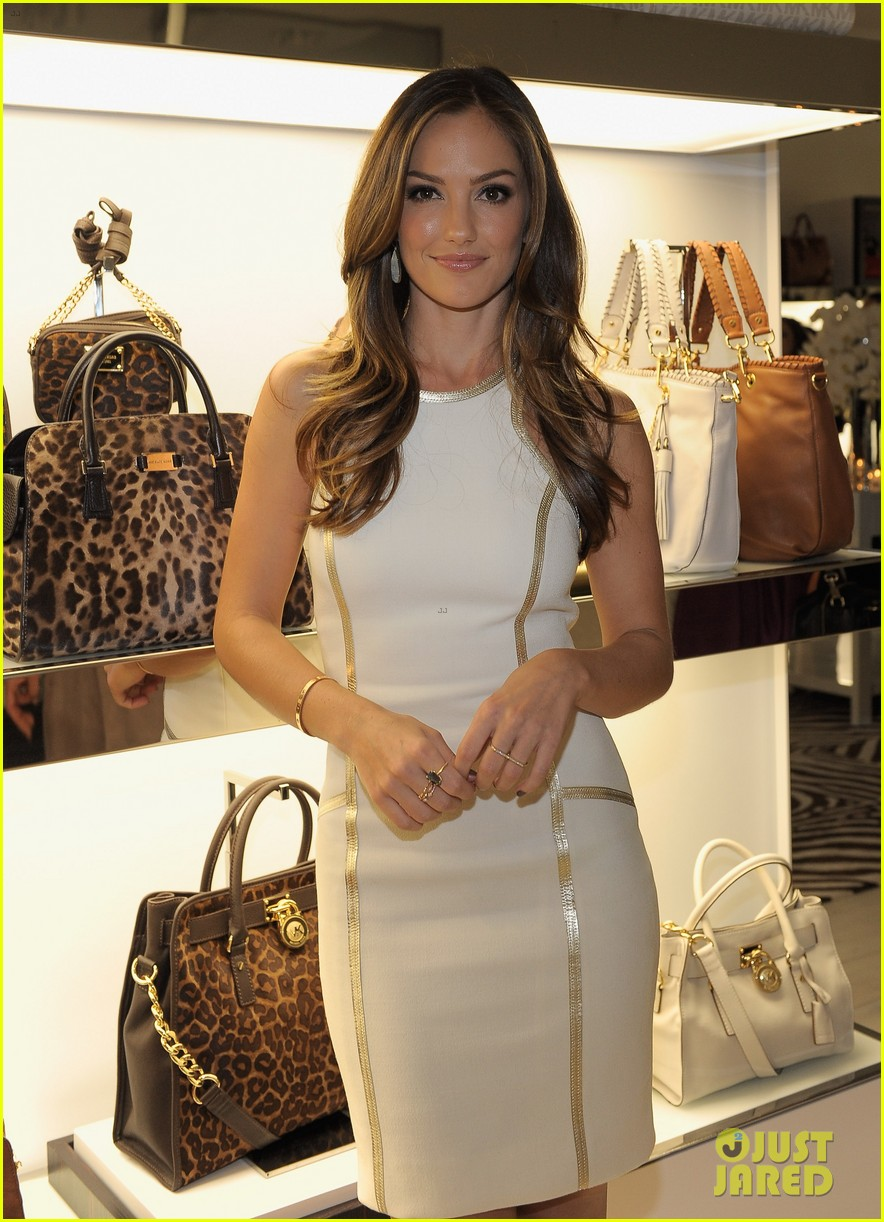 zoe saldana minka kelly michael kors boutique opening 03