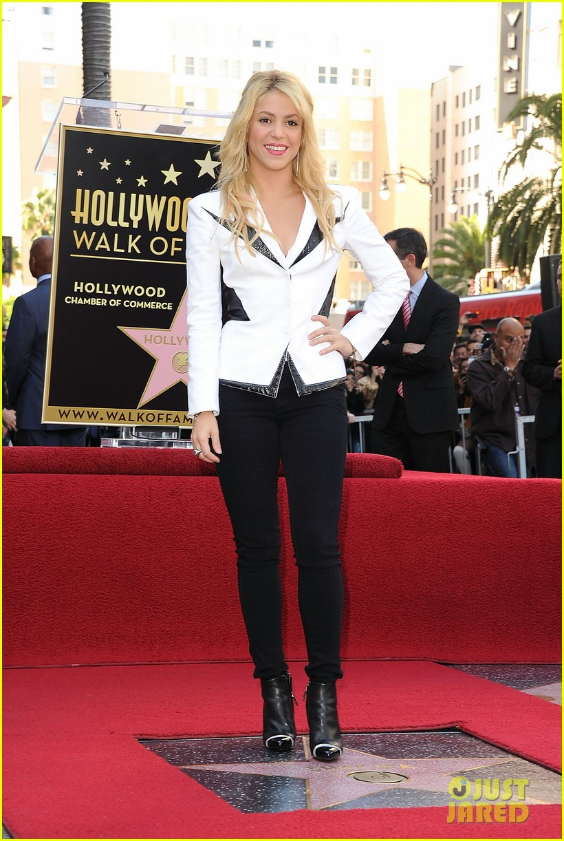 shakira hollywood walk fame 02