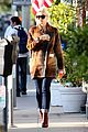 gwen stefani out about brentwood 03