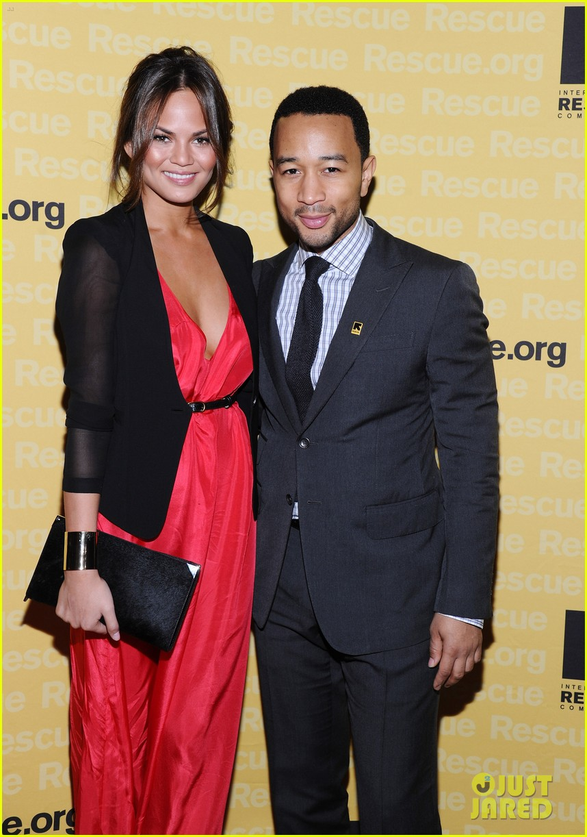 chrissy teigen john legend international rescue committee freedom award 01