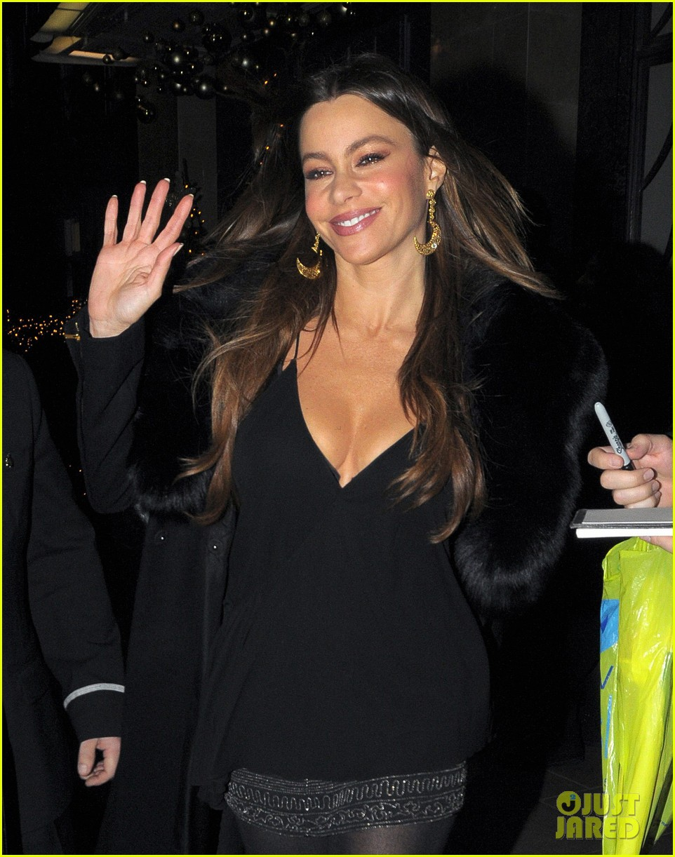 sofia vergara thanksgiving london 04