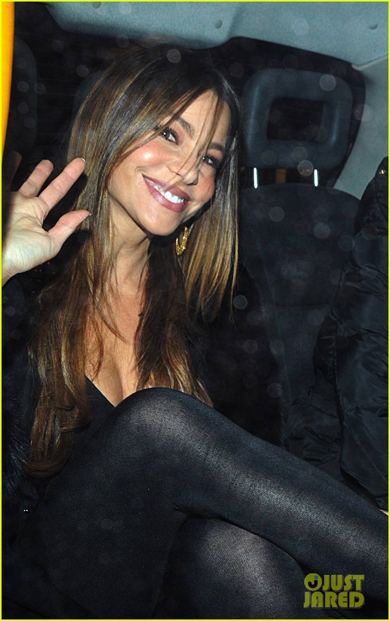 sofia vergara thanksgiving london 05
