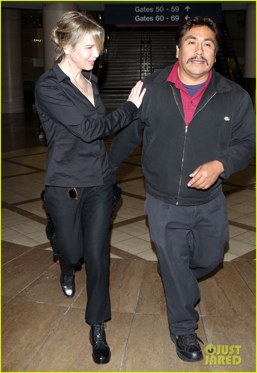 renee zellweger lax flight 022599145