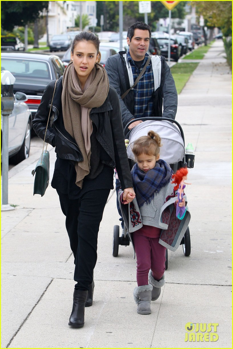 jessica alba honor is the best big sister 012610751