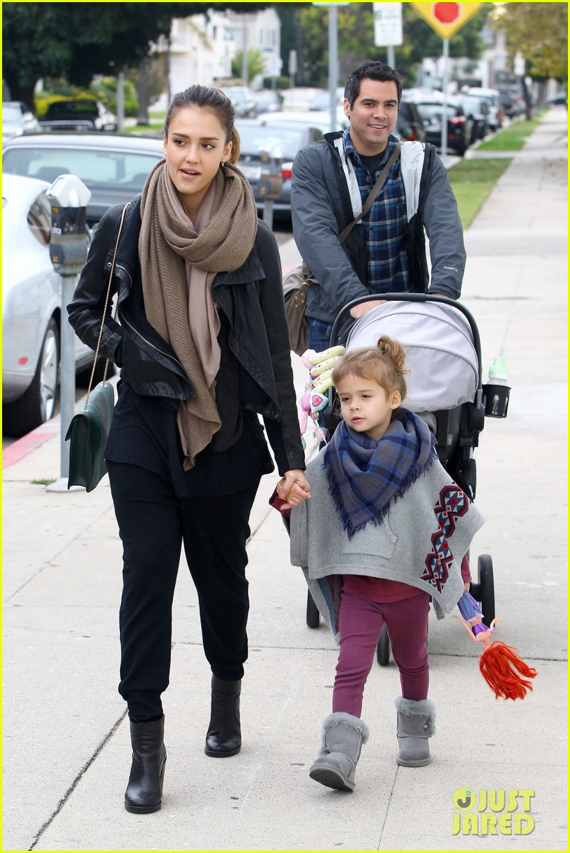 jessica alba honor is the best big sister 15