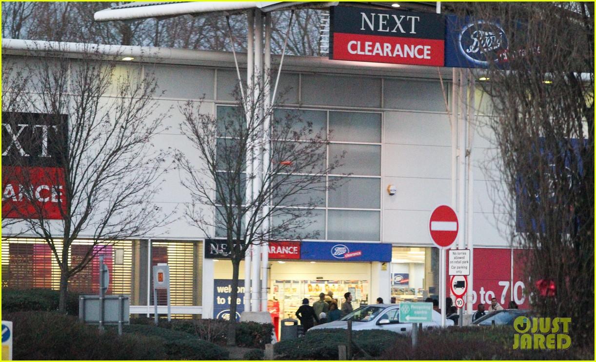 david beckham christmas eve shopping 102612484