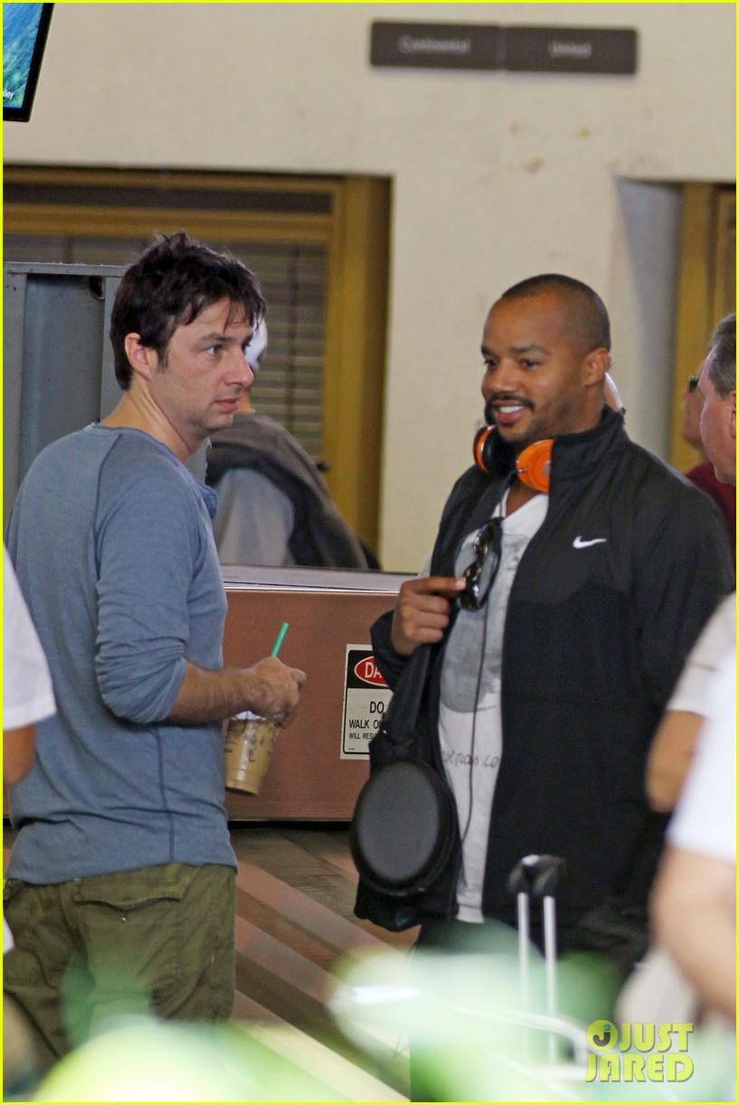zach braff shirtless hawaii donald faison 022612682