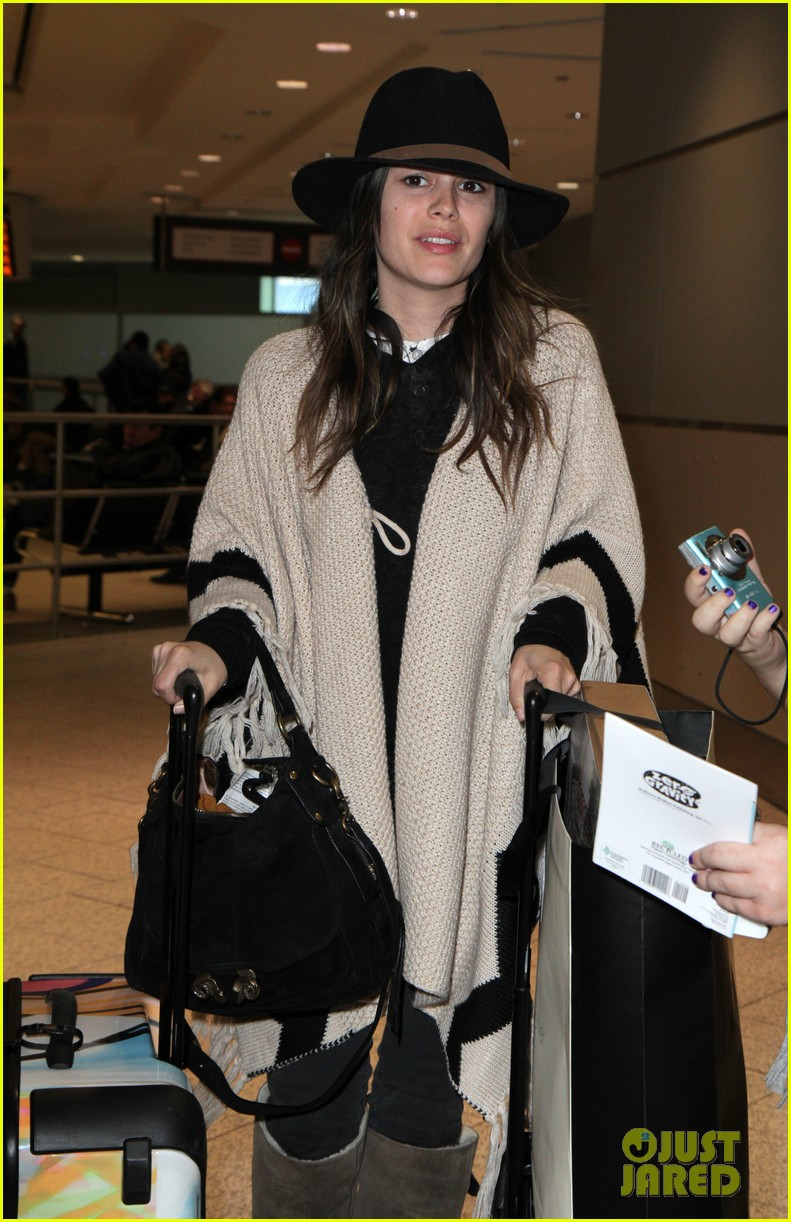 hayden christensen rachel bilson airport 03
