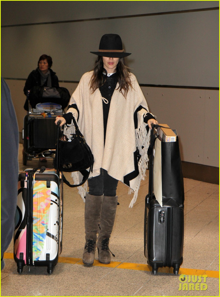 hayden christensen rachel bilson airport 09