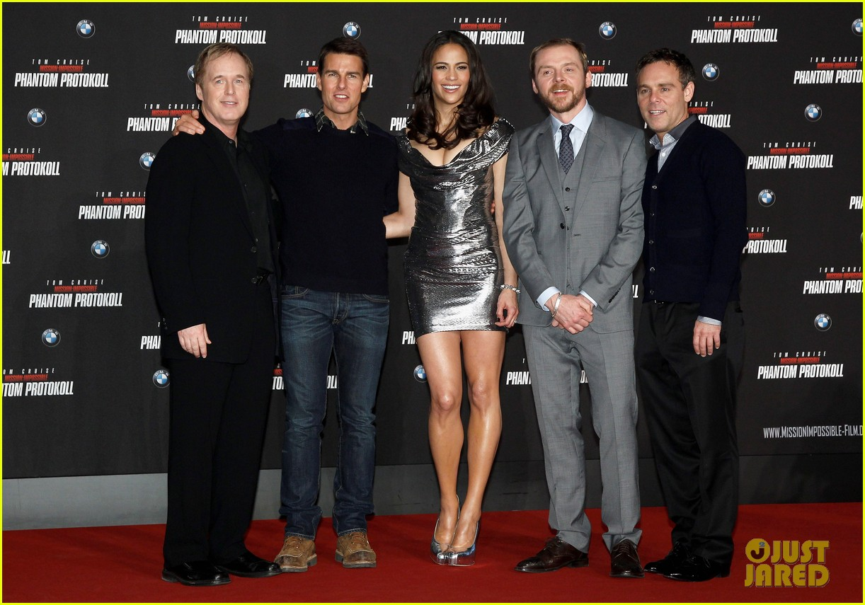 tom cruise paula patton ghost protocol munich 03