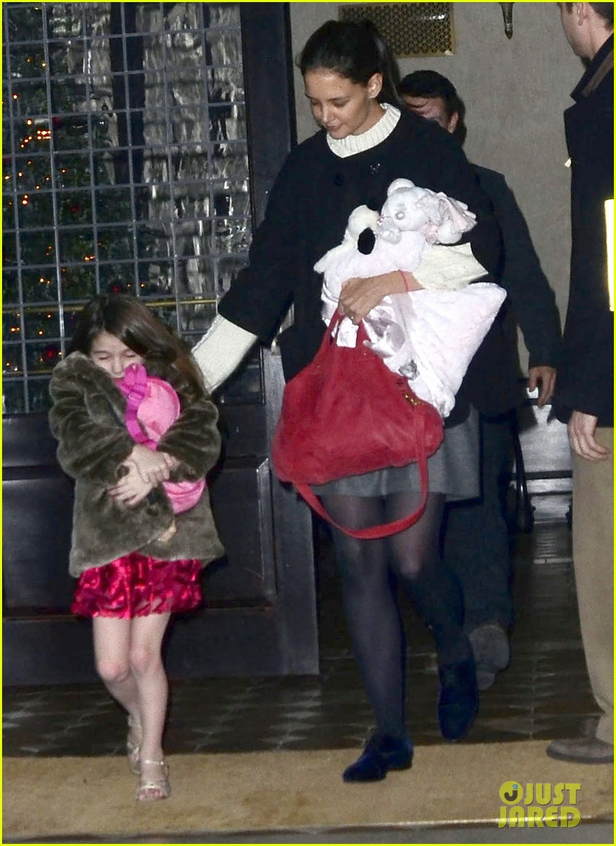 tom cruise katie holmes late night getaway with suri 01