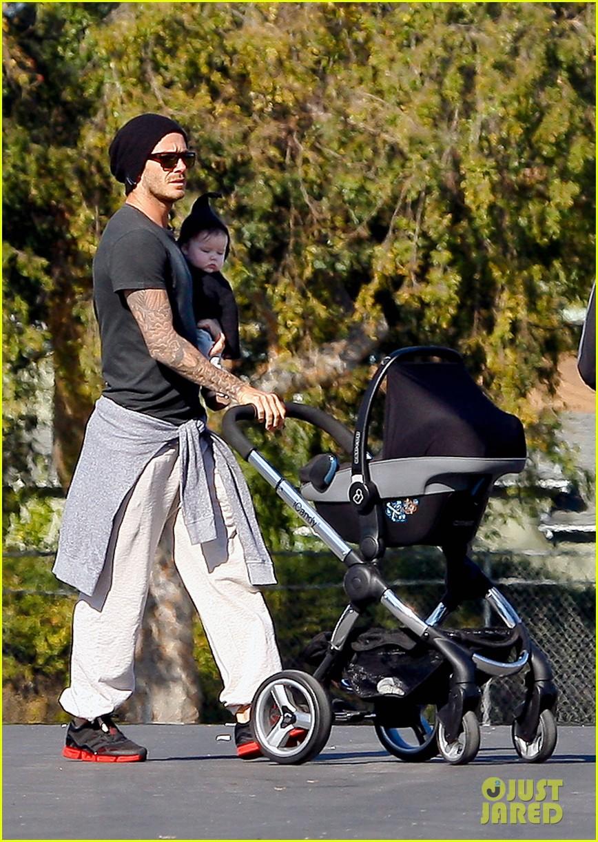 david beckham baby harper out stroller 05