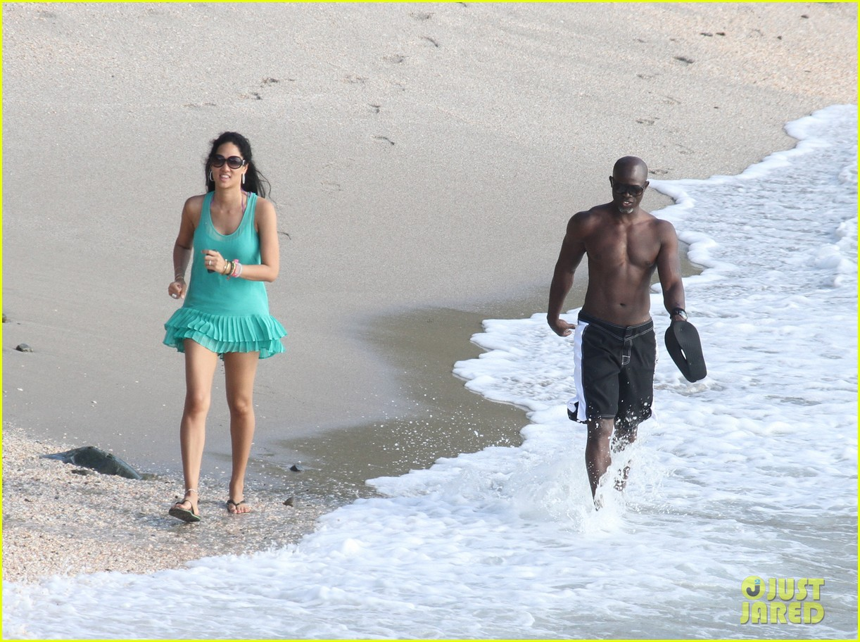 djimon hounsou shirtless 21