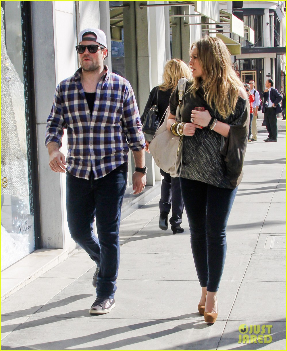 hilary duff mike comrie shopping 042613204