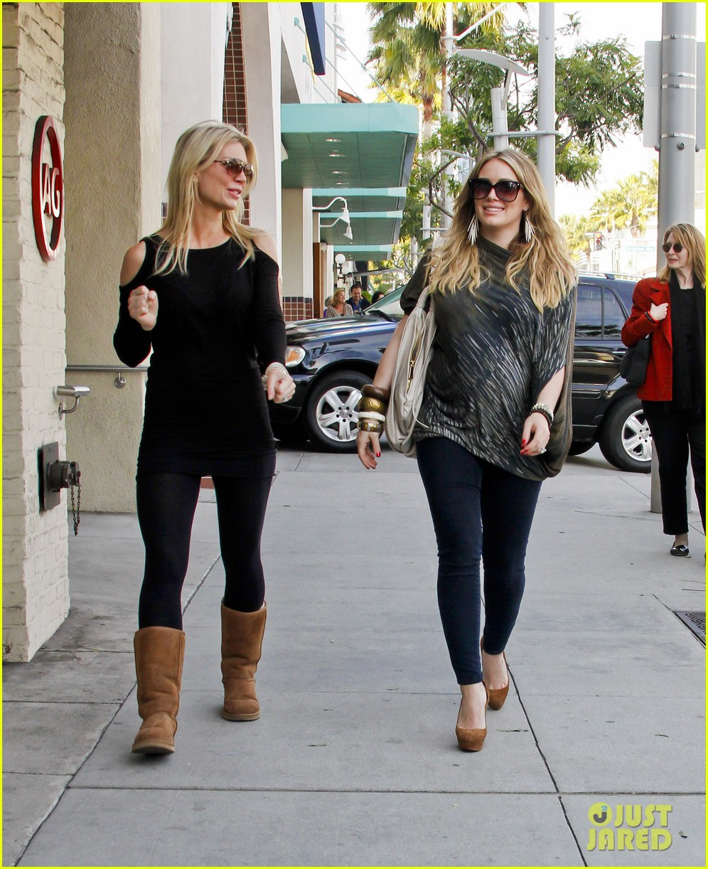 hilary duff mike comrie shopping 09