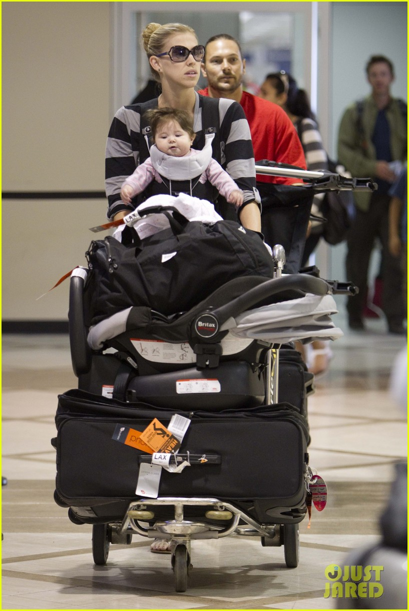 kevin federline lax family landing 01