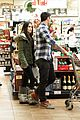 megan fox brian austin green grocery shop 16