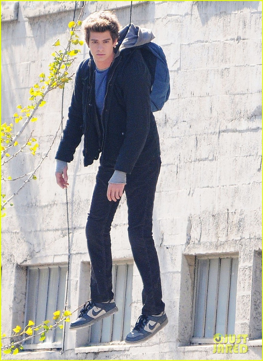 andrew garfield flying spider man 12