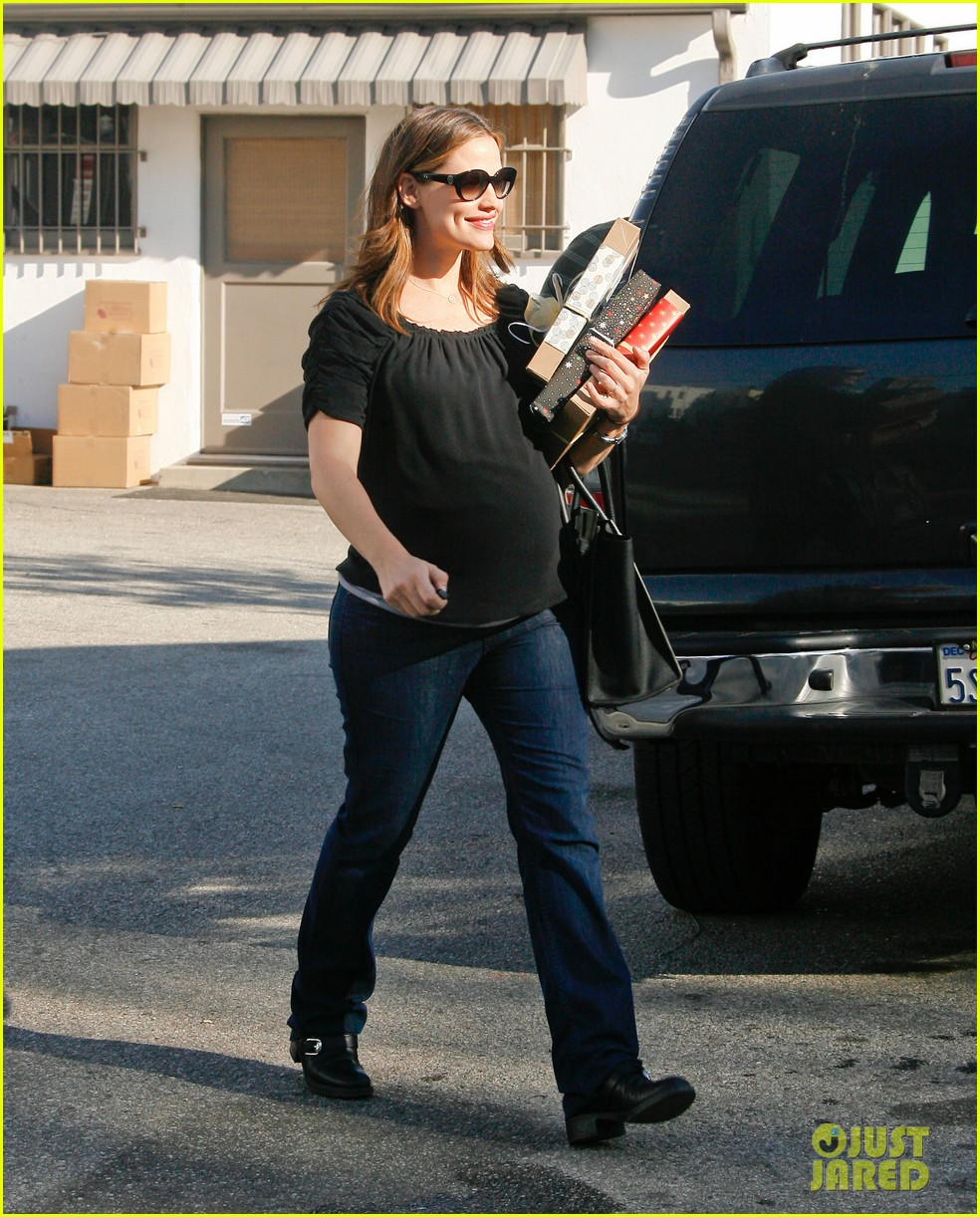 jennifer garner busy day 112608535