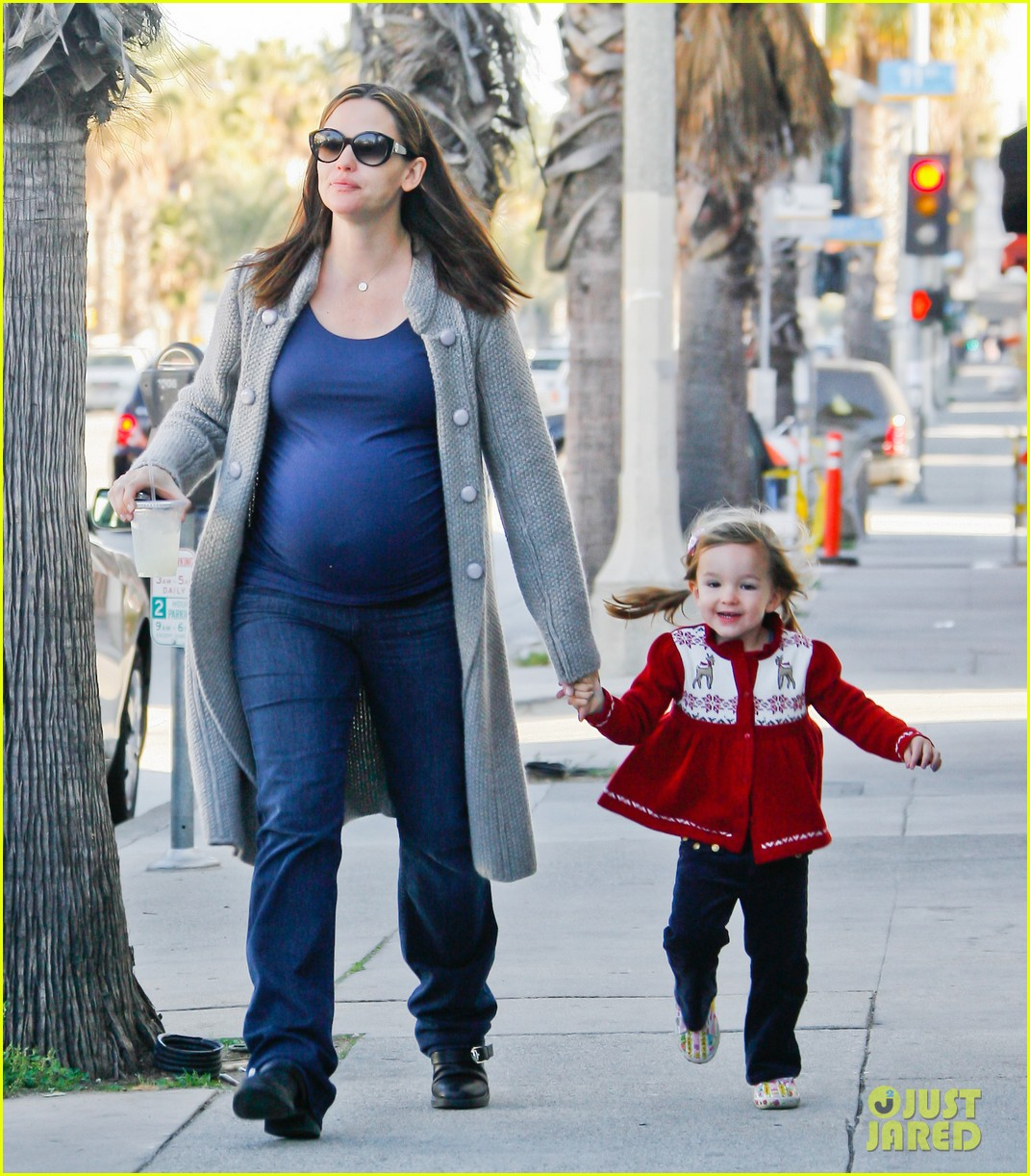 jennifer garner busy day 24