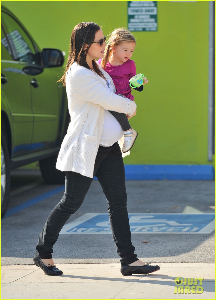 jennifer garner seraphina giggle 04