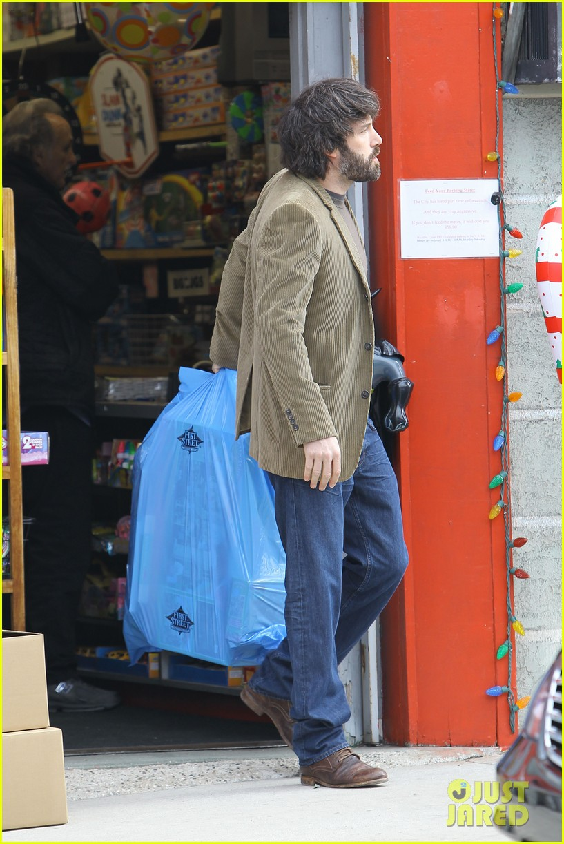 jennifer garner ben affleck toy store 162609175