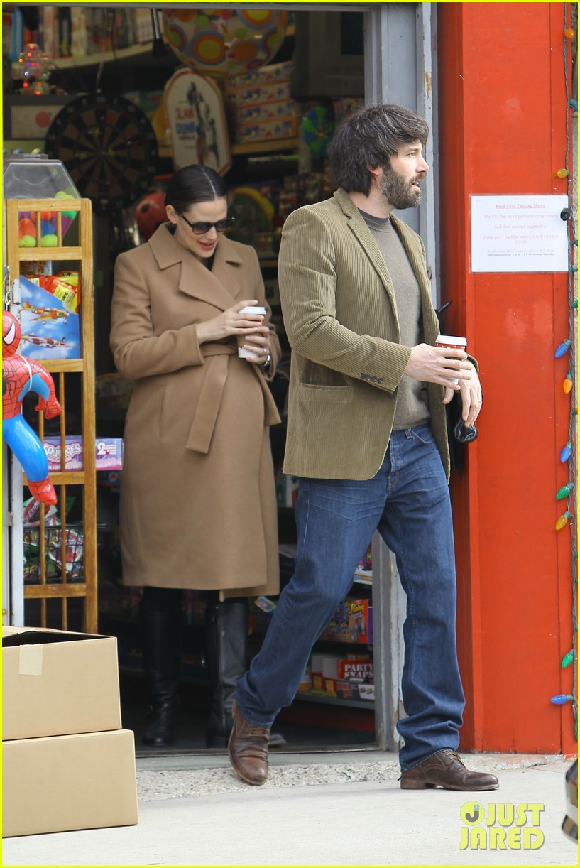 jennifer garner ben affleck toy store 22