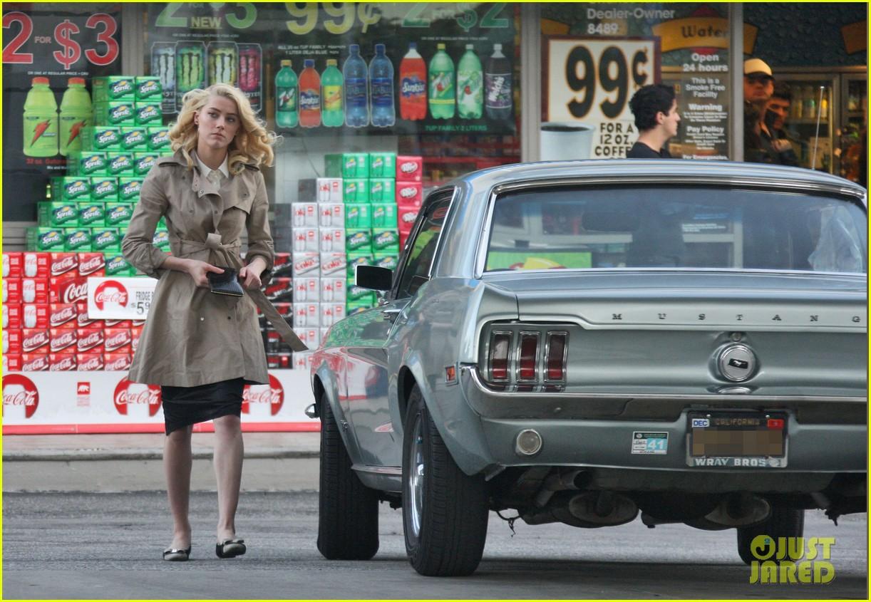 amber heard gas station 02