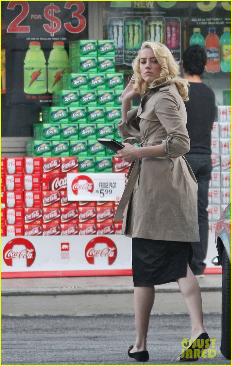 amber heard gas station 05