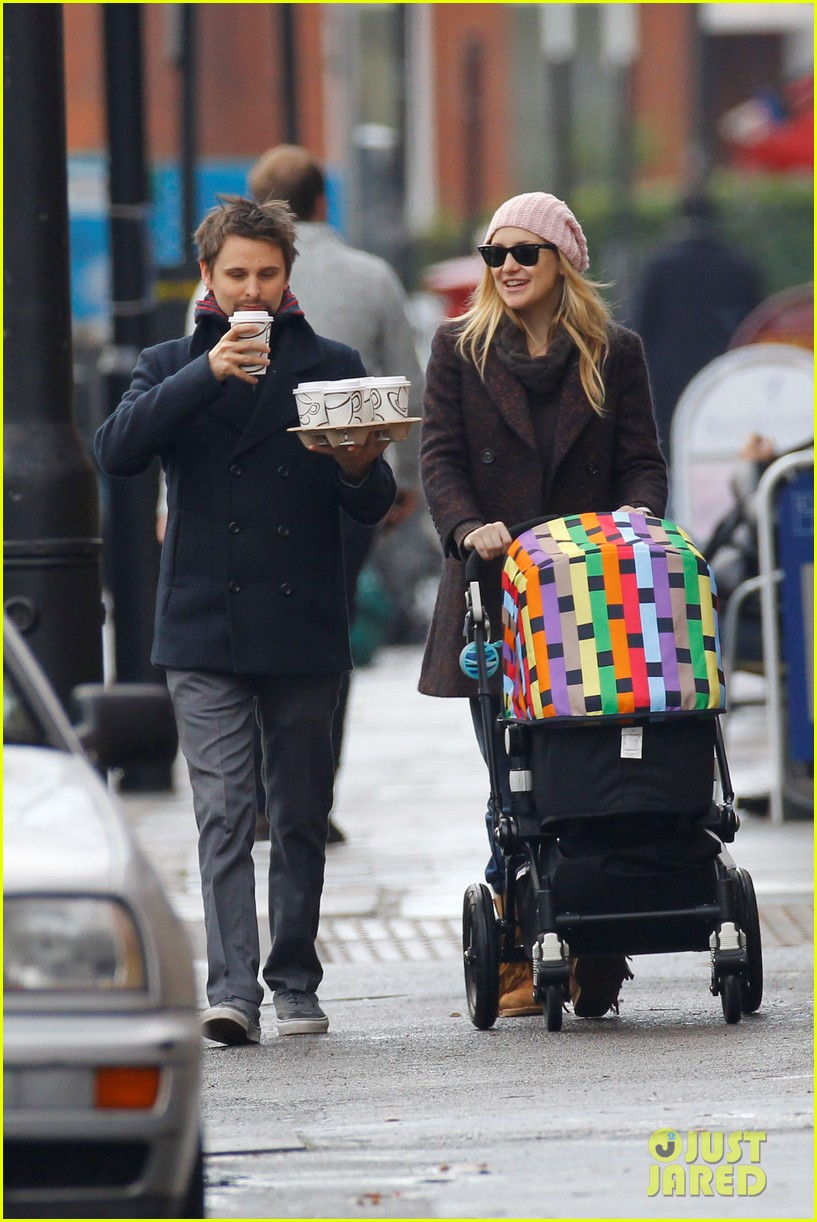kate hudson matthew bellamy breakfast bingham 03