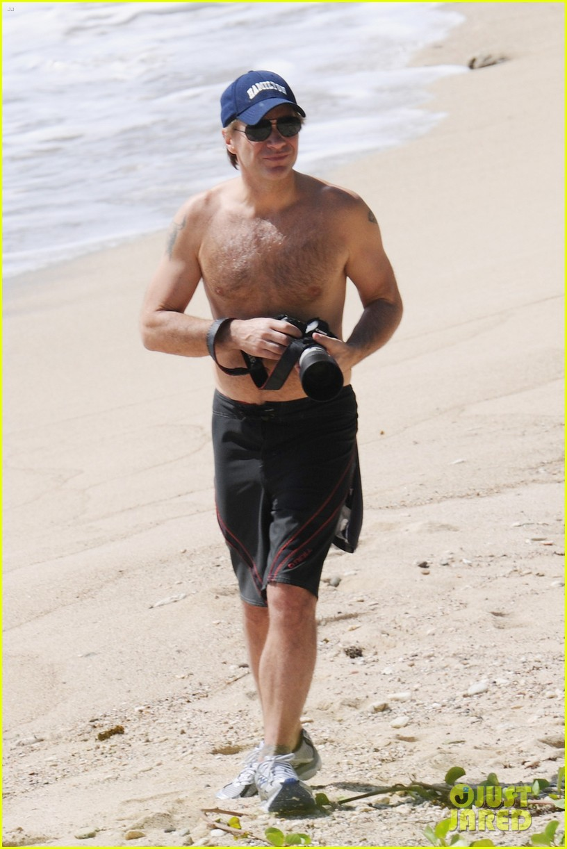 jon bon jovi shirtless 11