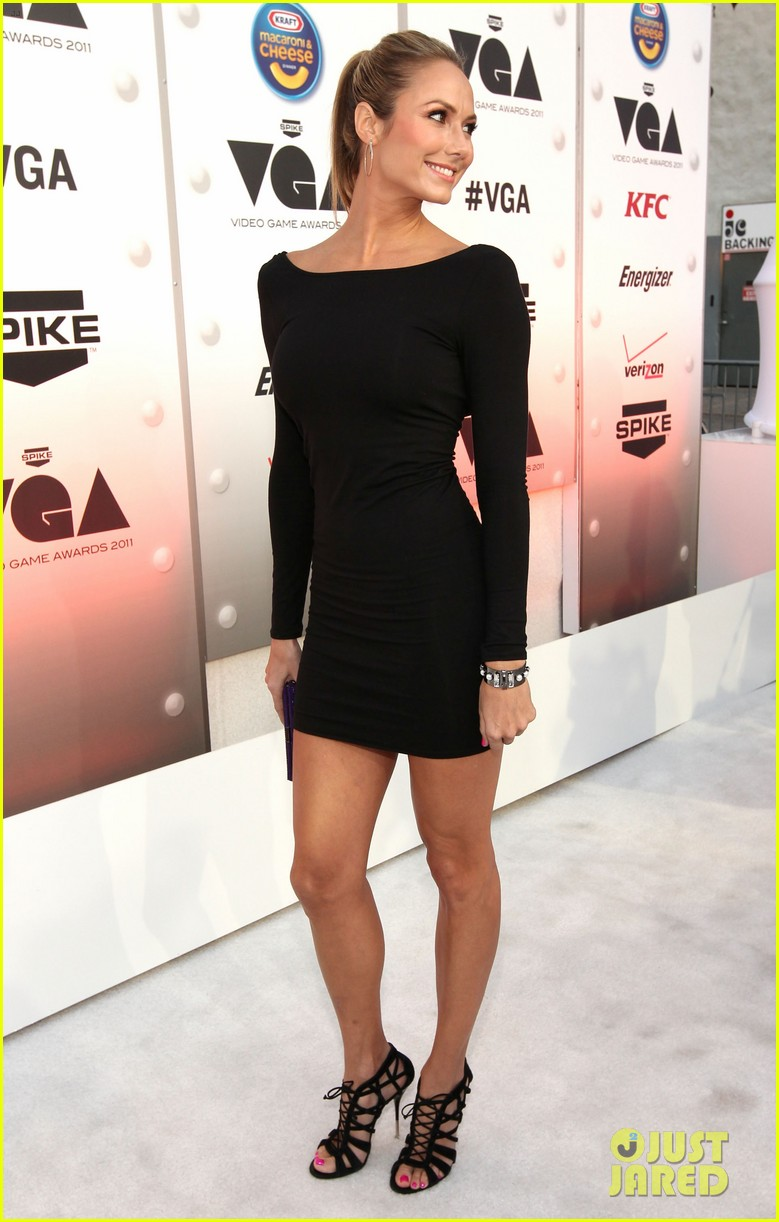 stacy keibler brooklyn decker video game awards 12
