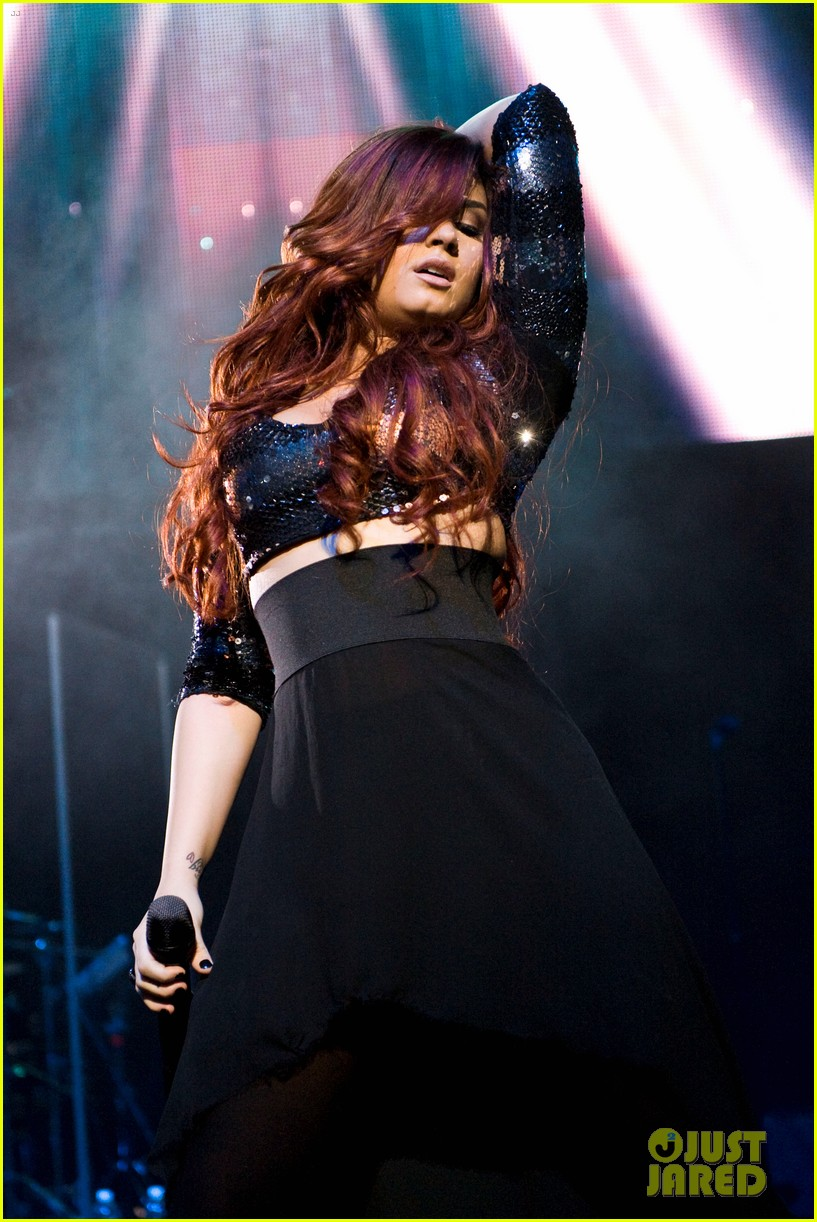 demi lovato avril lavigne y100 jingle ball 13