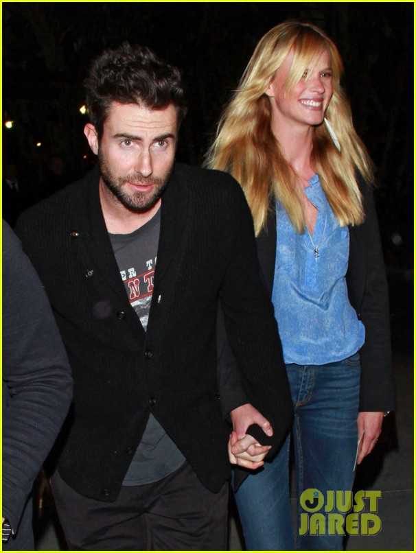 adam levine anne v lakers lovers 10
