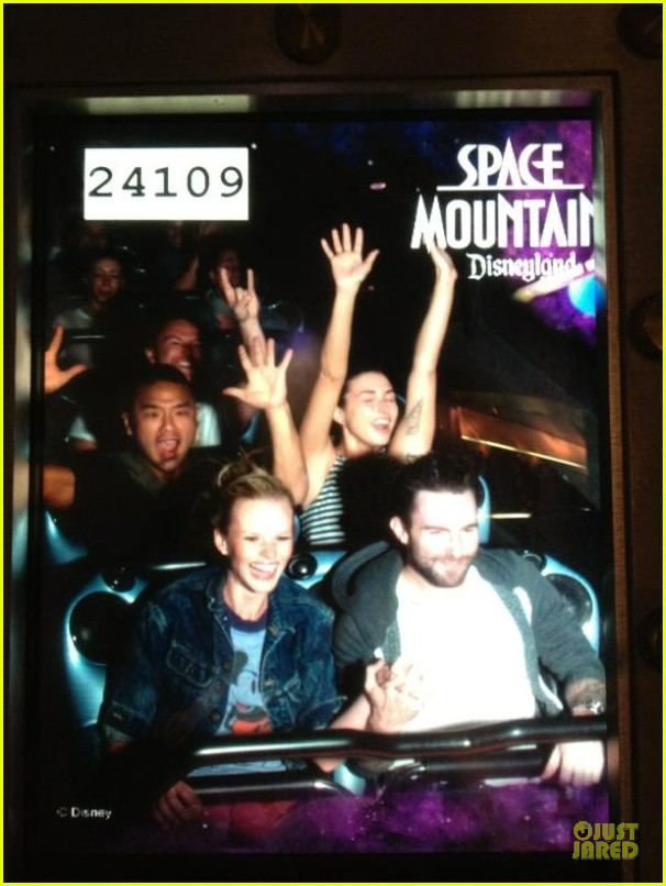 adam levine anne v space mountain 012613033
