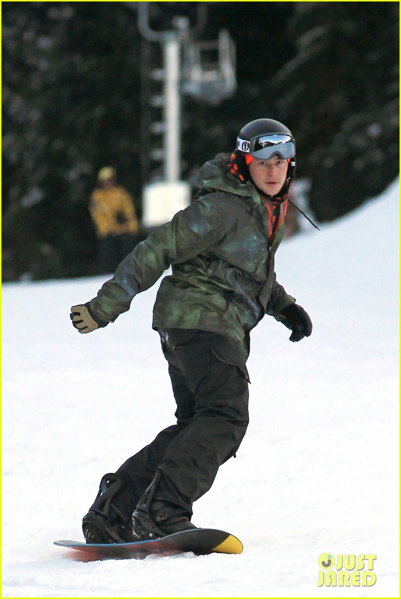 cory monteith snowboarding vancouver 10