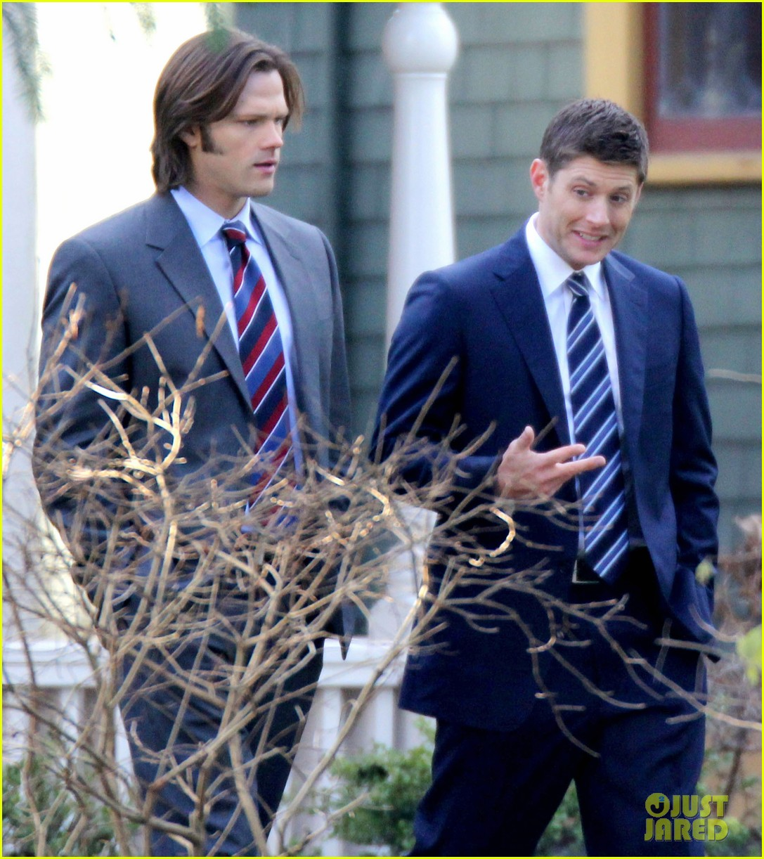 jared padalecki jansen supernatural set 012609584