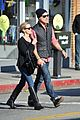 reese witherspoon jim toth christmas shopping 03