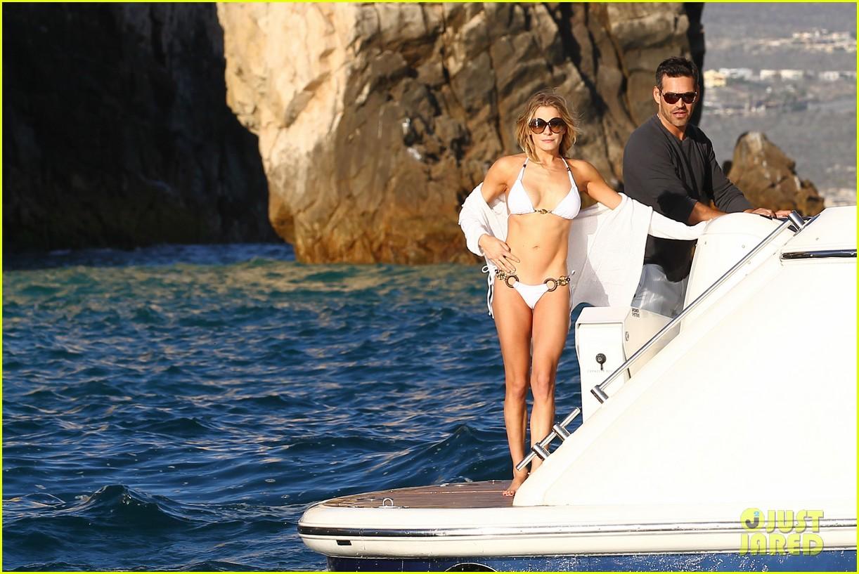 leann rimes eddie cibrian boat 022611572