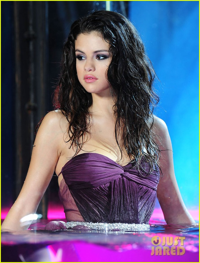 selena gomez fragrance 02