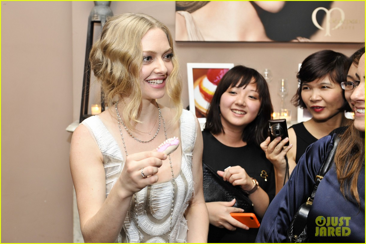 amanda seyfried cle de beauty 04