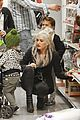 gwen stefani christmas shopping kingston zuma 22