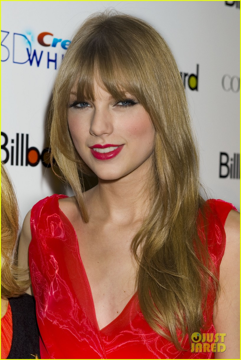 taylor swift billboard women music 042605888
