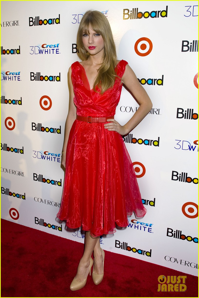 taylor swift billboard women music 09